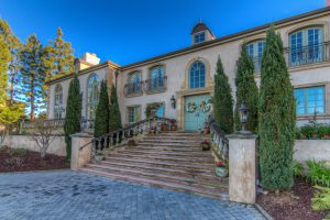RE/MAX Collection Luxury Property